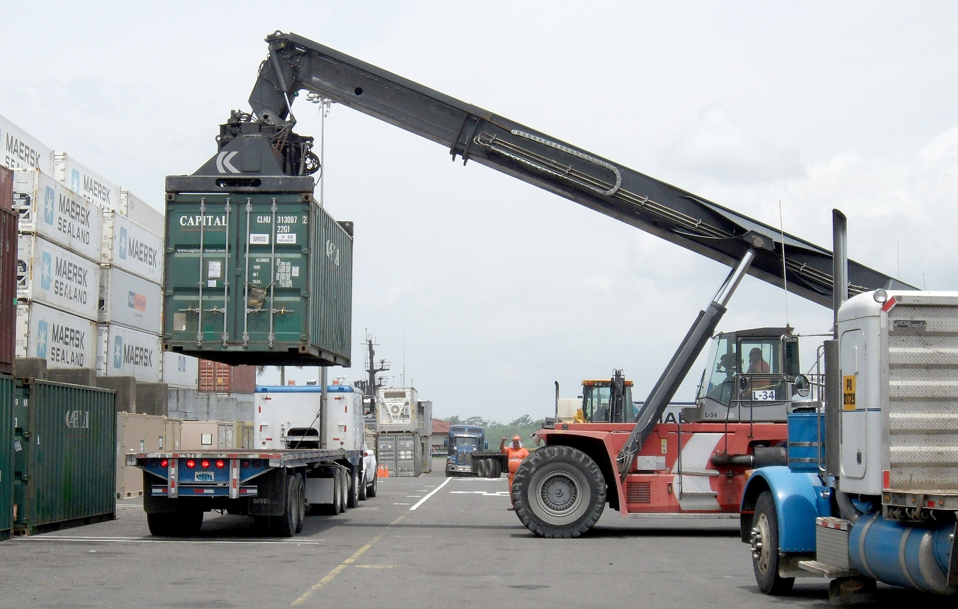 Container Truck Loading Courtesy Transfer